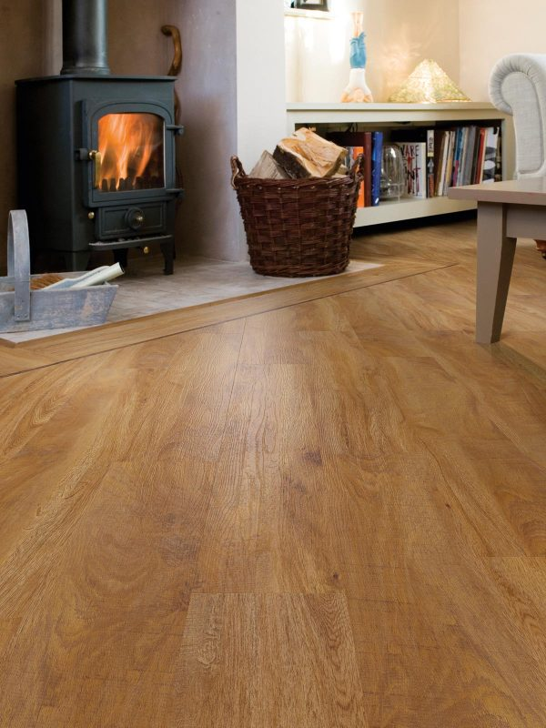Warm Oak effect luxury vinyl flooring from j2 Flooring