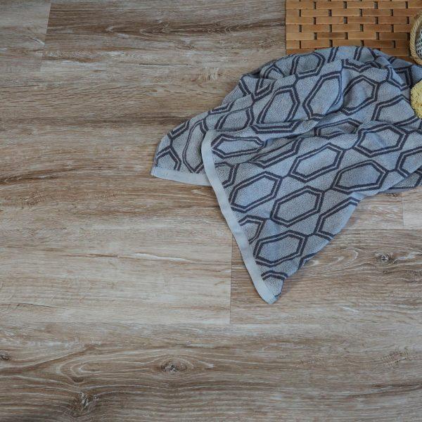 Rift Sawn Oak effect luxury vinyl flooring from j2 Flooring