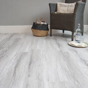 Glacier Oak effect luxury vinyl flooring from j2 Flooring